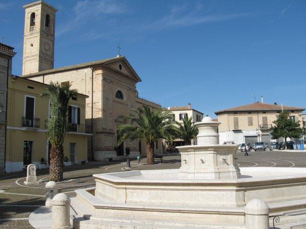 Piazza_Cavour_Nereto_Teramo