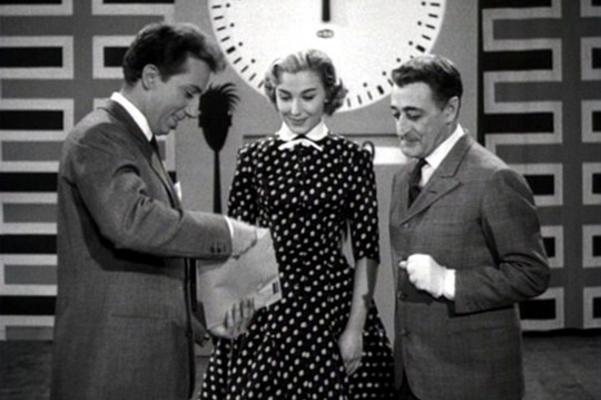 51622-400-629-1-100-Edy-Campagnoli-nel-film-Tot-Lascia-o-Raddoppia-regia-di-Camillo-Mastrocinque-1956