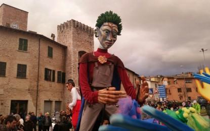 """Anche la marionetta """"Ma""""di Pineto al carnevale di Sant' Eraclio"""