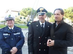 sindaco con comandante polizia municipale e capitano carabinieri