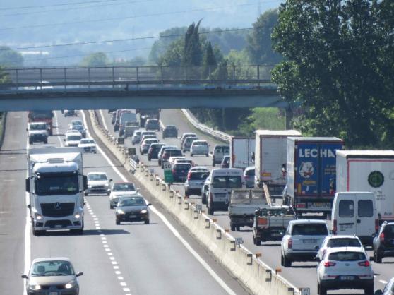 """Autostrada A14 in tilt: Marsilio """"pronti a bloccare l'ingresso dei tir in Abruzzo"""""""