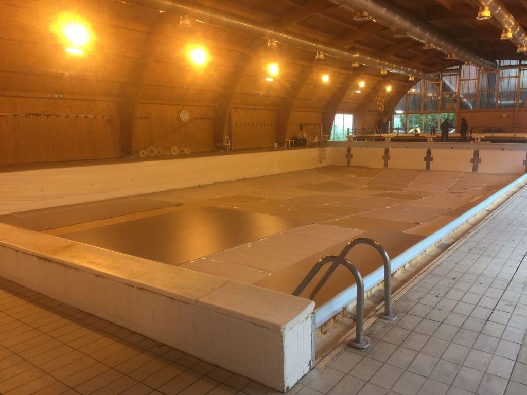 vasca-svuotata-della-piscina-comunale