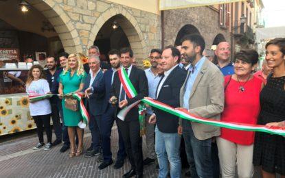 Campli, inaugurata la 46esima edizione della Sagra della porchetta