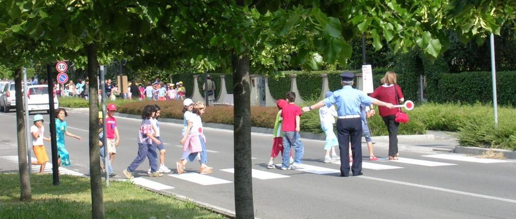Sicurezza casa–scuola a Mosciano : al via la creazione di percorsi pedonali protetti