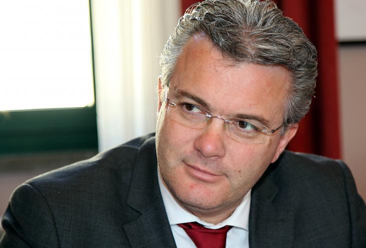 Tagli viabilità, cultura e ricerca: Pepe attacca il presidente Marsilio