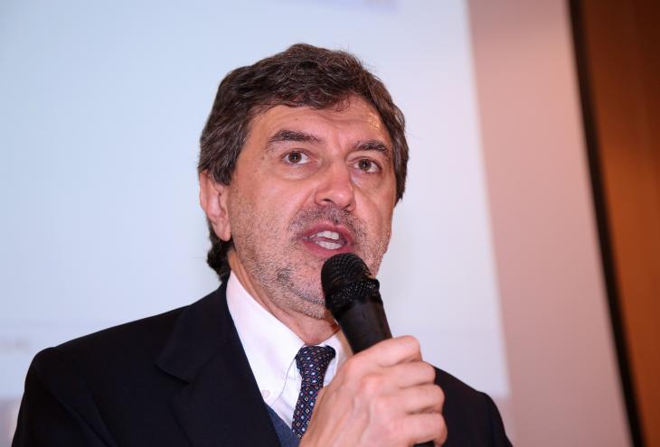 """Ricostruzione, Marsilio visita l'ufficio di Teramo """"Azioni concrete per la ripresa delle attività"""""""