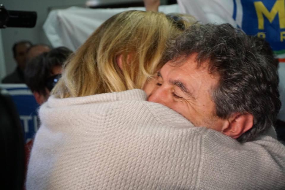 Regionali, vince il centrodestra: Marsilio presidente. Lega primo partito. Crolla M5S