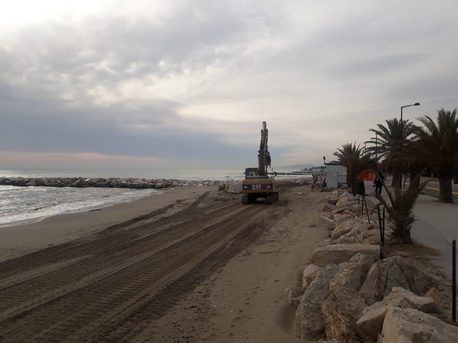 Mareggiata Villa Rosa, partiti i lavori di messa in sicurezza del tratto sud