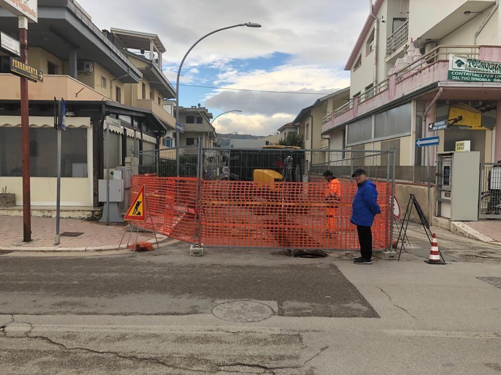Martinsicuro, lavori di rifacimento della condotta delle acque bianche in via Michetti