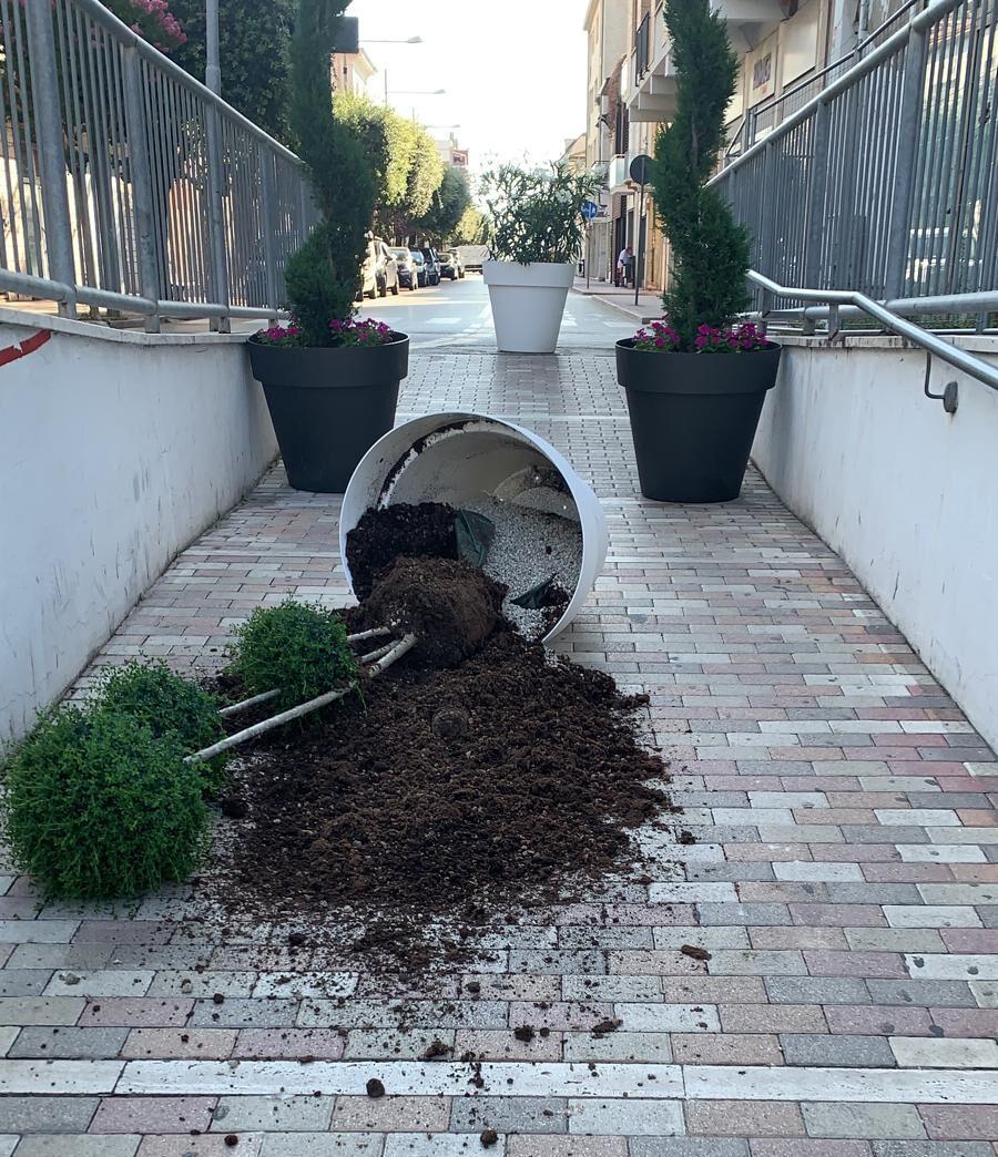 Giulianova, atti vandalici nel sottopasso di via Nazario Sauro