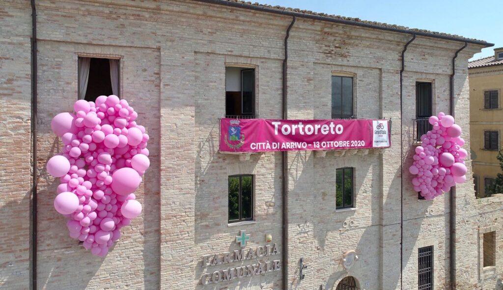 Tortoreto si veste di rosa:pubblicato il bando per attività commerciali e cittadini