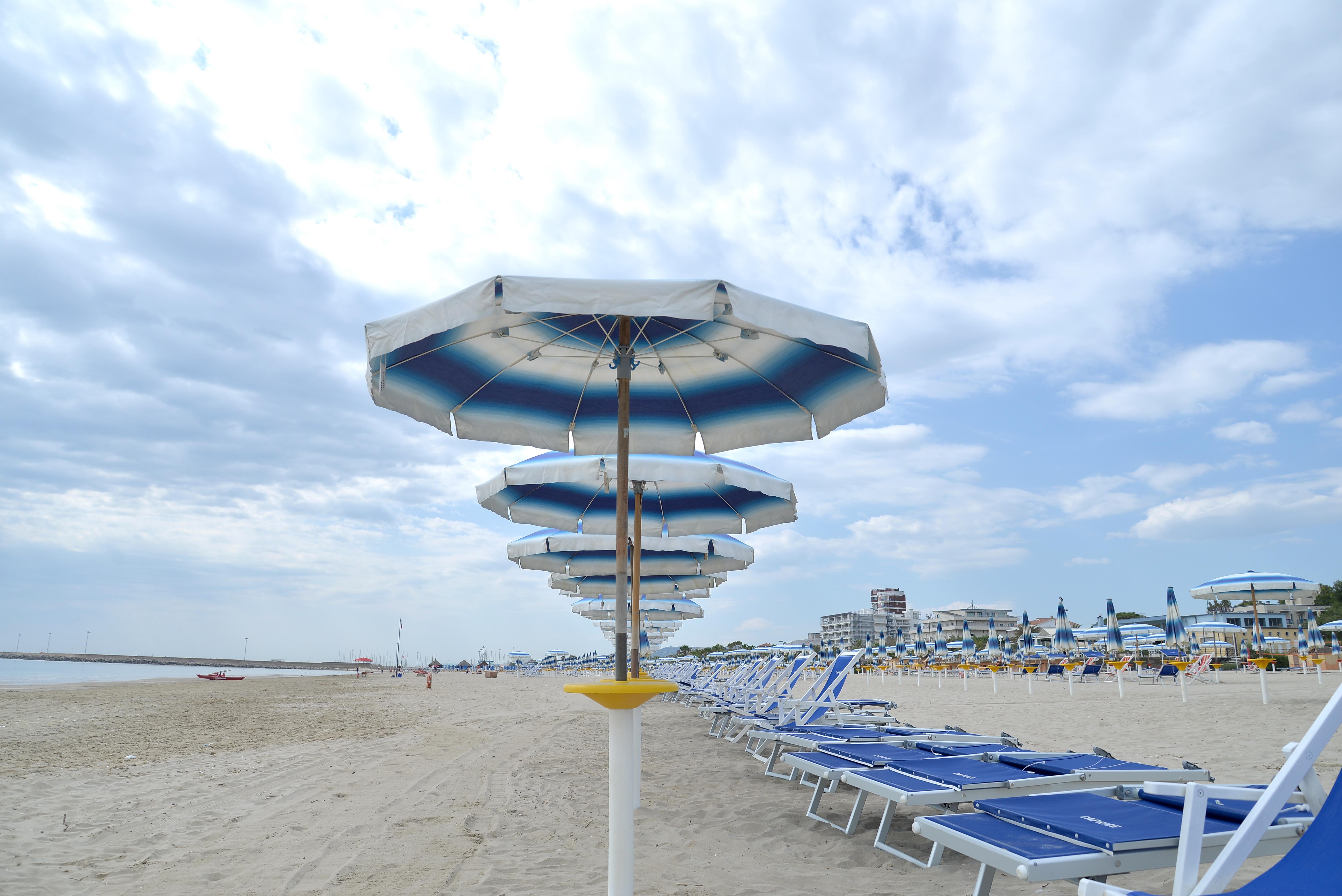 Giulianova, apre la spiaggia libera dedicata ai minori con disturbi autistici