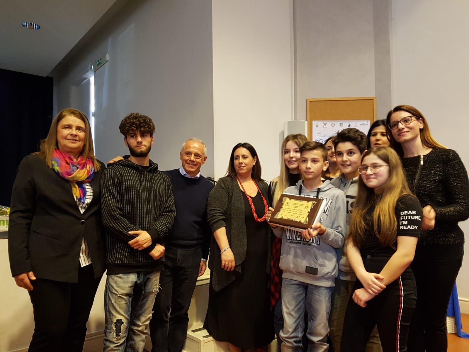 Concorso Ester Pasqualoni, vince la scuola media di Colonnella